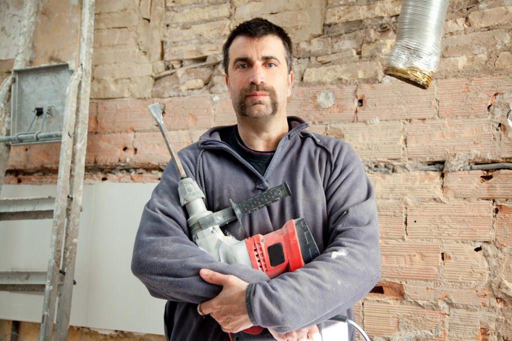 asbestos specialist during work