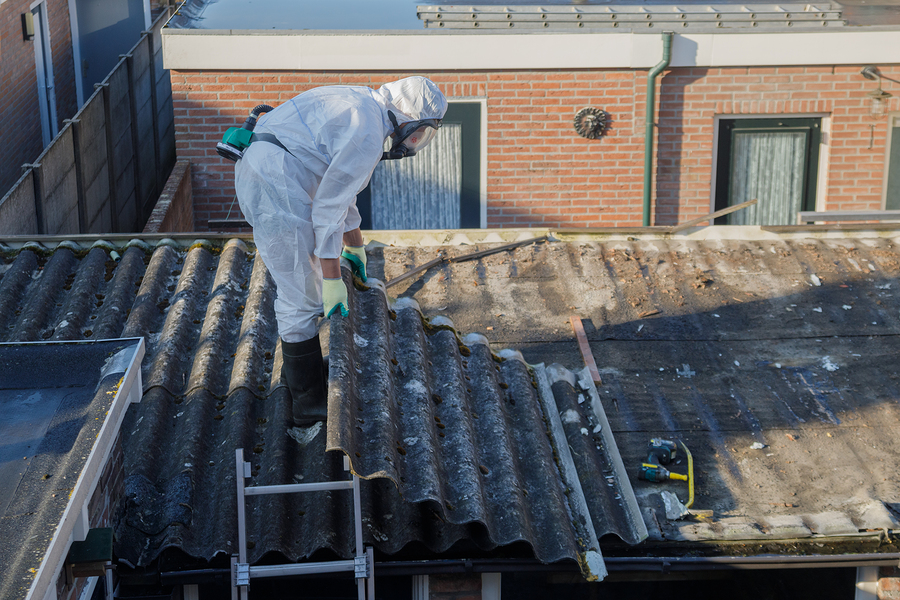 asbestos specialist working on asbestos abatement